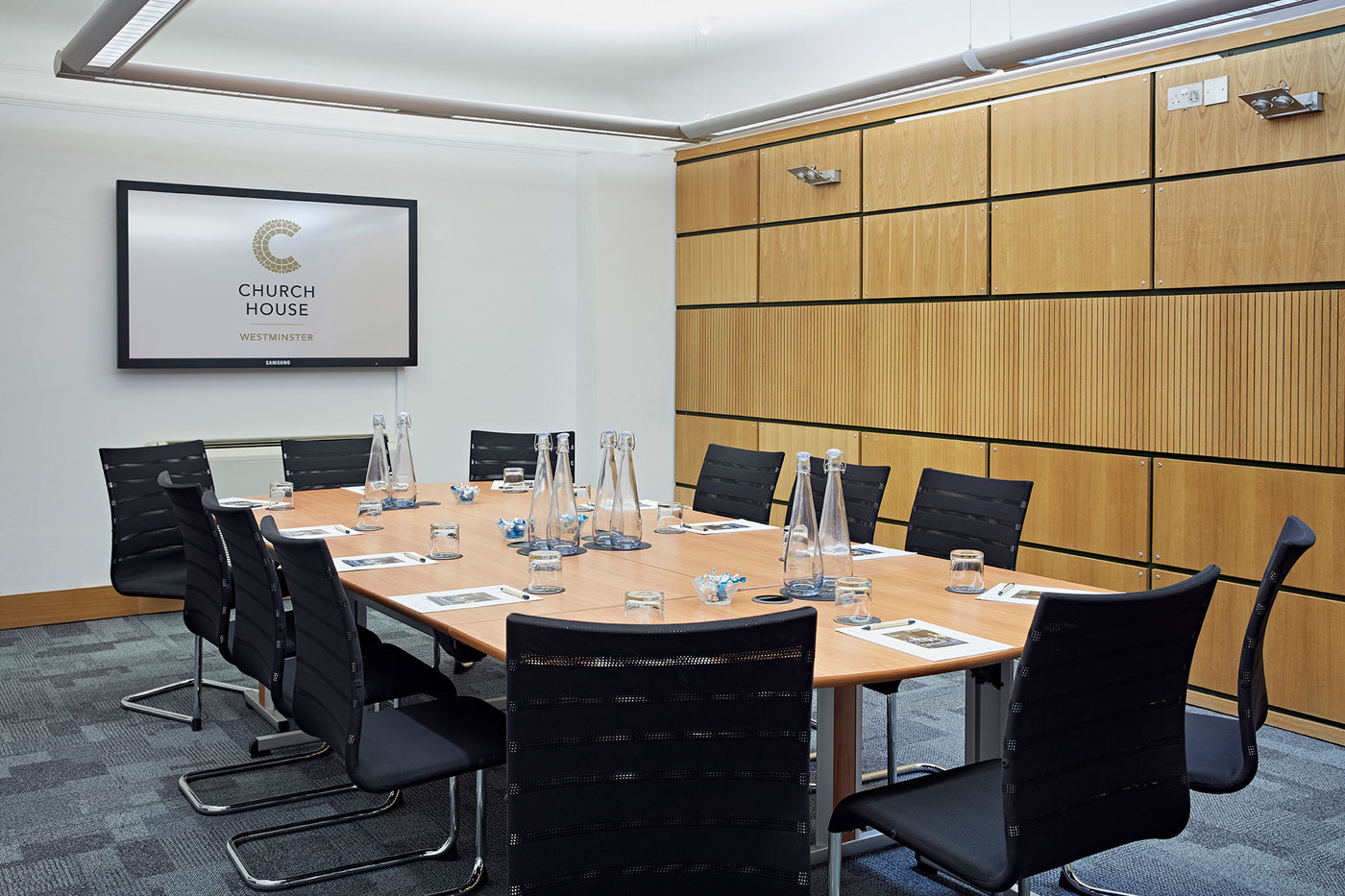 X large 1511958390 1506687901 temple room   boardroom style header church house conference centre london